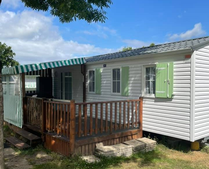 Camping Les Alouettes : Mobilhome