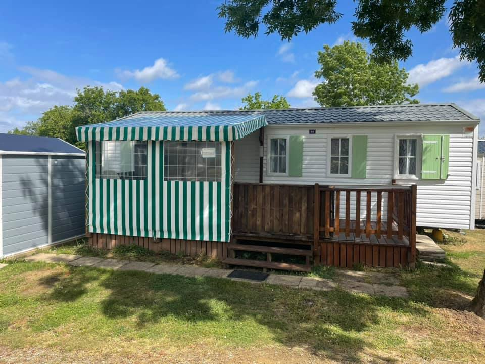 Camping Les Alouettes : Terrasse Mobilhome